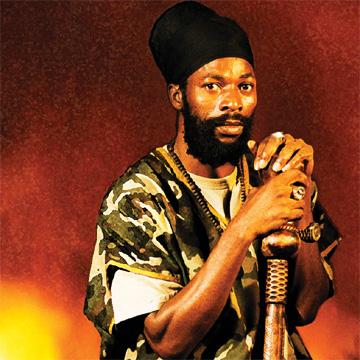 Grenoble : le concert du chanteur homophobe de dancehall reggae Capleton annulé